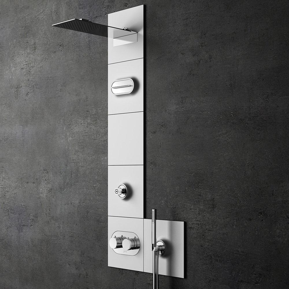 Pannelli doccia o colonne doccia li potete trovare da for Pannelli rivestimento doccia