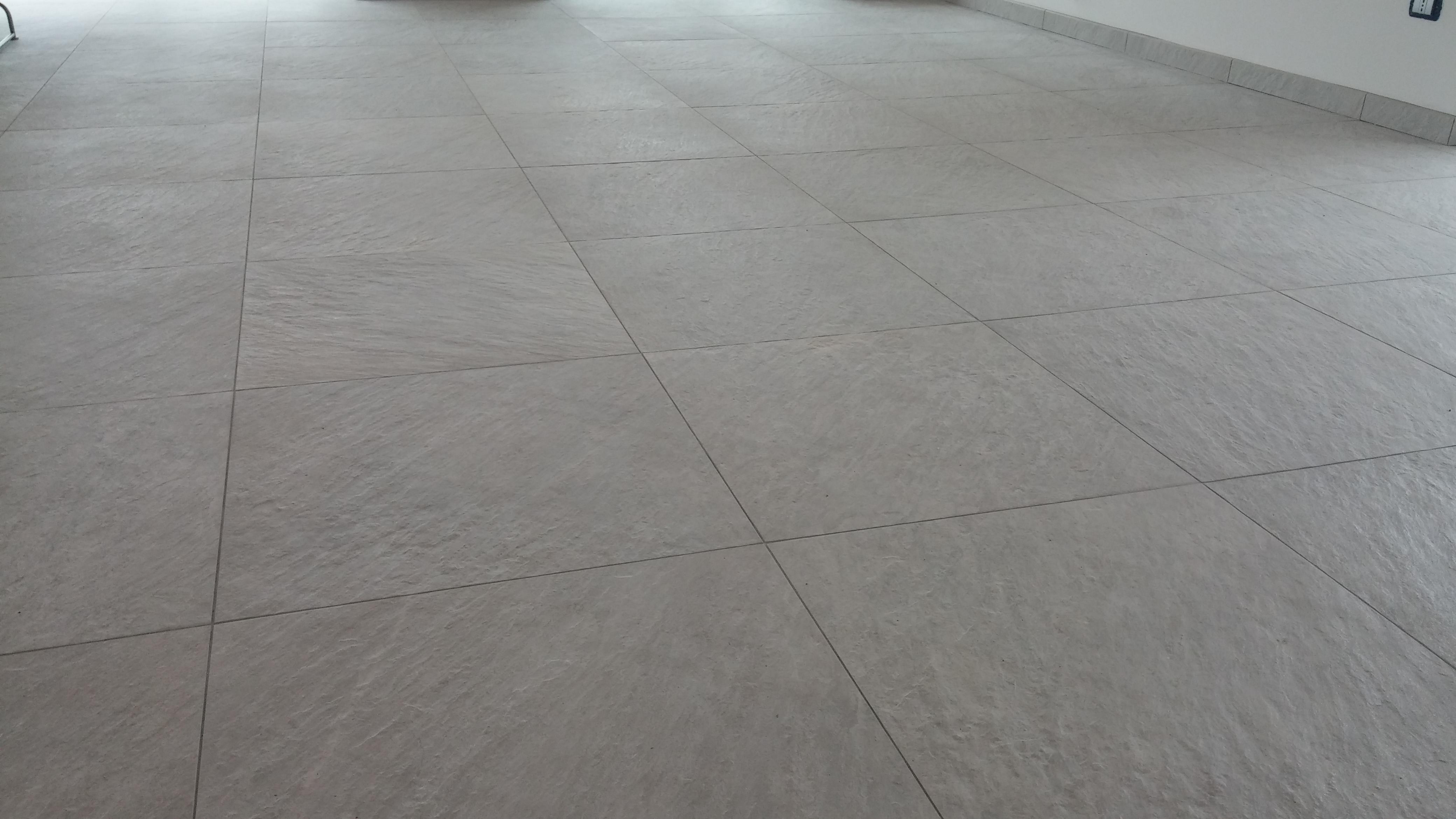 Pavimenti amazing pavimenti in pvc with pavimenti fabulous prefinito rovere posato ad - Pavimenti in cemento per interni pro e contro ...