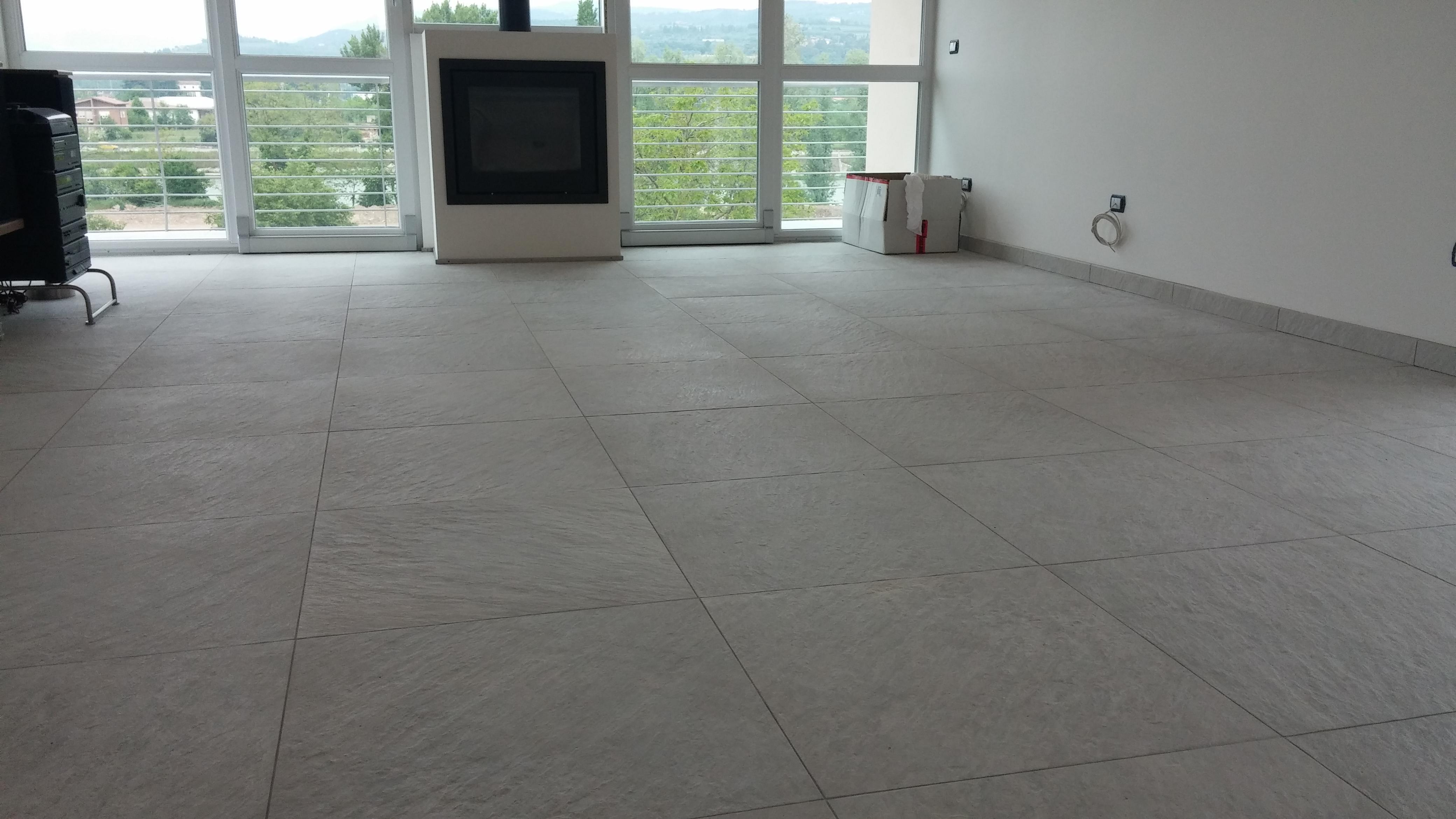 Pavimenti interni effetto pietra cardoso coem gres porcellanato