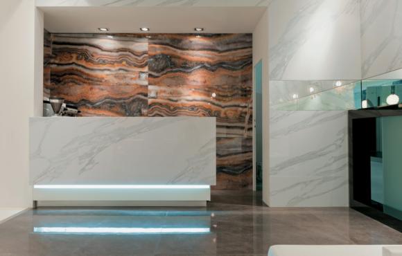 Bottacini pavimenti arredo bagno mobili per bagno a verona - Rivestimento bagno effetto marmo ...