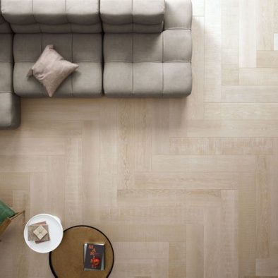 Elements Natural propone un gres porcellanato effetto parquet