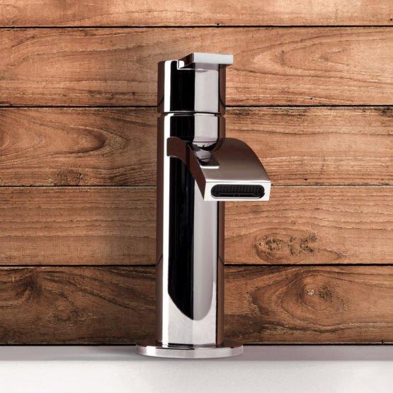 rubinetteria in ottone per bagno