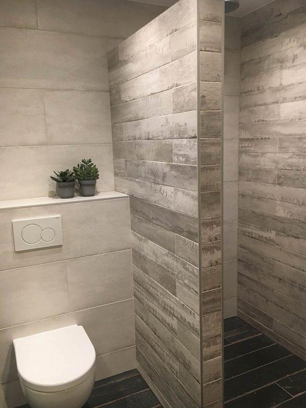 Rivestimenti bagno casa Privata a Verona