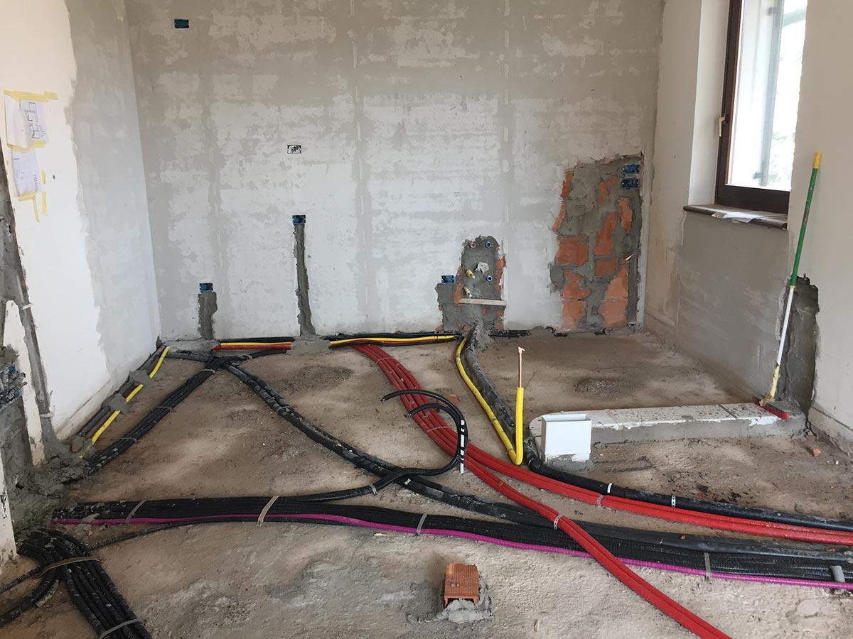 realizzazione impianti elettrici ed idraulici